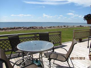 Cottage on Beautiful Baie Verte in Upper Cape, New Brunswick - Cap-Pele vacation rentals