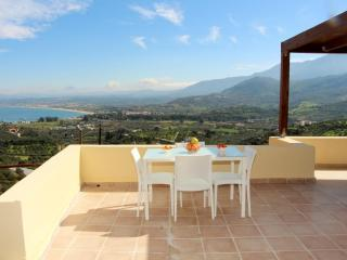 Cozy 1 bedroom House in Exopoli with Internet Access - Exopoli vacation rentals