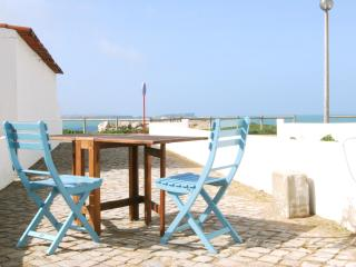 Isabela Apartment, 2 bedroom apartment in Baleal I - Peniche vacation rentals