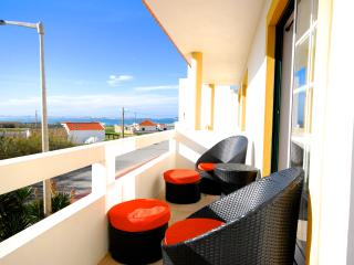 Catarina House, 3 bedroom house with shared pool - Peniche vacation rentals