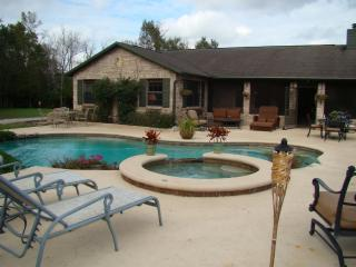 4 BR / 2 BA Gated Equestrian Ranch with Pool / Spa - Christmas vacation rentals