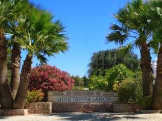 Family Holiday Villa Sleeps 8  Pool  WIFI Access. - Guia vacation rentals