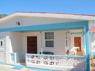 LOUIS VILLA  Salisbury Dominica - Baroui vacation rentals