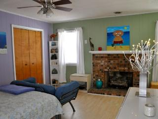 1 bedroom Cottage with Internet Access in Oak Island - Oak Island vacation rentals
