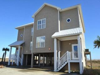 Spacious House Complete with a Great View, Perfect for a Family Getaway! - Fort Morgan vacation rentals