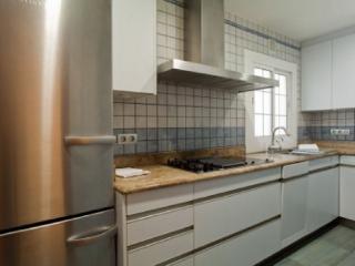 Spectacular Five Senses Mallorca Apartment - Paris vacation rentals