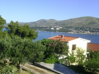 2 bedroom Villa with Deck in Trogir - Trogir vacation rentals
