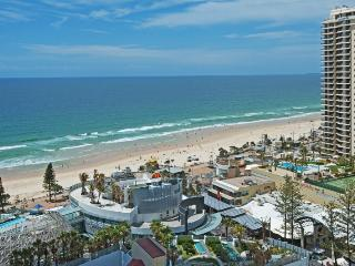 Nice 2 bedroom Apartment in Surfers Paradise with Internet Access - Surfers Paradise vacation rentals