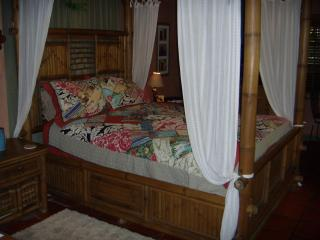 Charming Naples Bed and Breakfast rental with Deck - Naples vacation rentals