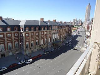 1 Ambiente Fte Casino Hotel NH Alquiler Temporario - Mar del Plata vacation rentals