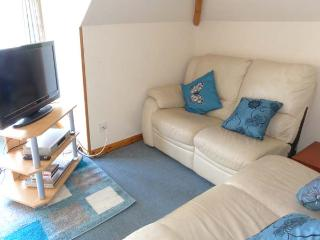 COOINDA FLAT, first floor apartment, open plan living, Loch and mountain views, in Morar, Ref 911755 - Mallaig vacation rentals