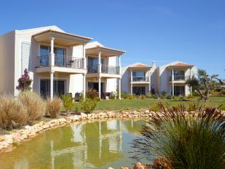 1 BEDROOM DUPLEX FOR 2 ADULTS, IN A 5 STAR RESORT WITH SPA, IN CARVOEIRO REF. 138707 - Albufeira vacation rentals
