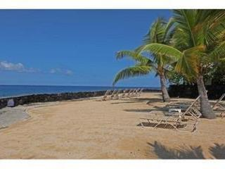 Ocean views from Casa De Emdeko 307 -AC Included! - Kona Coast vacation rentals