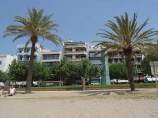 Avda De Rhode 89 ~ RA20267 - Costa Brava vacation rentals