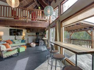 Spacious home w/ deck, forest views and close ski access! - Government Camp vacation rentals
