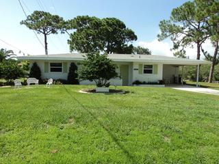 Beautiful House with Internet Access and A/C - Englewood vacation rentals
