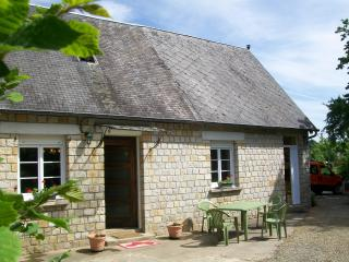 Idyllic Rural Cottage In Lower Normandy - Carelles vacation rentals