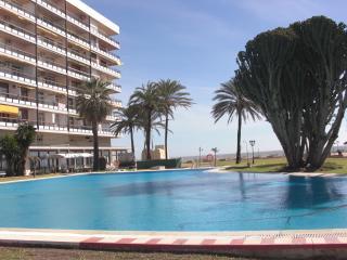 Castillo de Santa Clara, estudio-apartamento Torremolinos la carihuela - Torremolinos vacation rentals