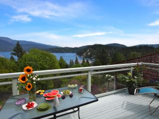 Panoramic Views, Best Local (Deep Cove), 20 Mins f - North Vancouver vacation rentals