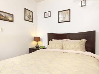 Little Italy Grand 2BR Piedatterra! - New York City vacation rentals