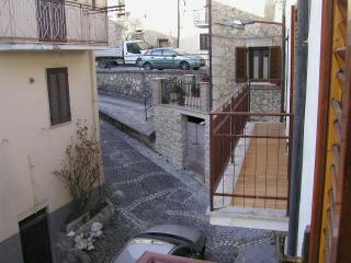 Romantic 1 bedroom House in Castelvecchio Subequo - Castelvecchio Subequo vacation rentals