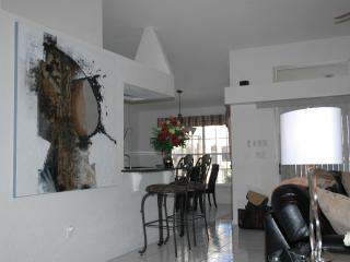 Luxurious contemporary vacation awaits you!! - Punta Gorda vacation rentals