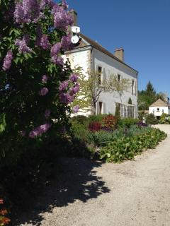 Perfect 4 bedroom House in Beaune with Internet Access - Beaune vacation rentals