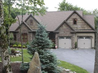 Fall is here!  Sugar Mtn-5 BR w/ Hot Tub/fFirepit - Banner Elk vacation rentals
