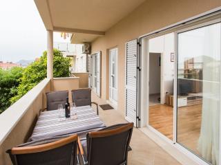 Supersize apartment (Balcony&Parking) 5+1 - Dubrovnik vacation rentals