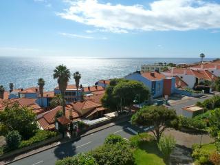 Sol Apartment in Beautiful Caniço de Baixo - Canico vacation rentals