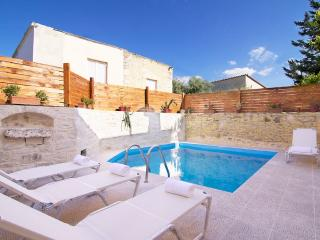 Villa Maris, a taste of tardition! - Rethymnon Prefecture vacation rentals