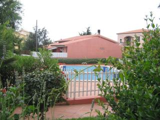 Beautiful Condo with A/C and Shared Outdoor Pool - Valledoria vacation rentals