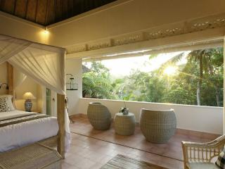 Romantic Villa with Deck and Internet Access - Ubud vacation rentals