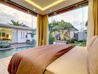 Lovely Elegant Private Seminyak Villa - Seminyak vacation rentals