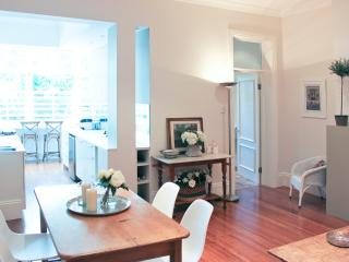 Stylish Woollahra Holiday or Executive Rental