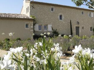 Provence. Eygalieres/Alpilles - Paris vacation rentals