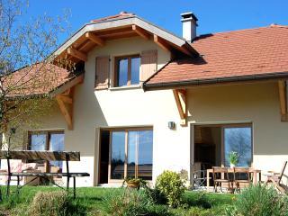 location entre lac et montagne proximité d'annecy - Argonay vacation rentals