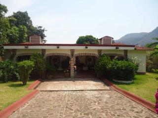 Beautiful Cottage with Short Breaks Allowed and Television - Malinalco vacation rentals