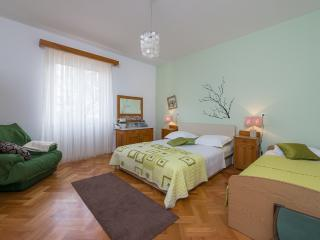 A quiet place for a nice holiday near the beach - Split vacation rentals