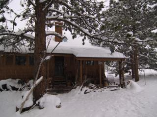 420 friendly lodging for outdoor enthusiasts - Lyons vacation rentals
