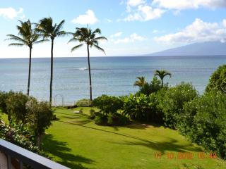 Beachfront studio in West Maui - Lahaina vacation rentals