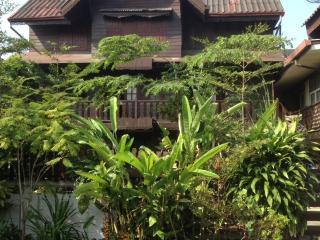 Thai Traditional Teak House - UNIQUE IN BANGKOK !!! - Bangkok vacation rentals