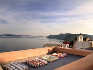 Alafouzou Cavel Loft w/h outdoor jacuzzi - Santorini vacation rentals