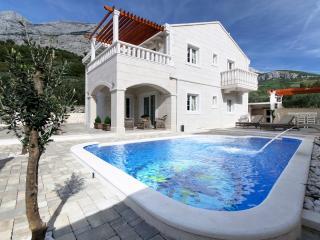 Villa Oliver (8+4) - Makarska - Makarska vacation rentals