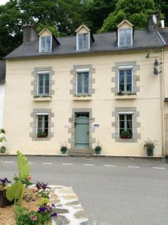 Bed & Breakfast on the Nantes - Brest Canal - Chateauneuf du Faou vacation rentals
