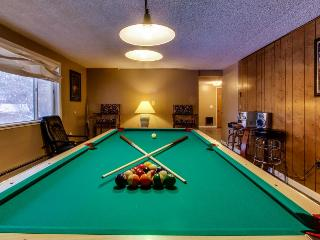 Lakeview home with pool table & boat slip - Harrison vacation rentals
