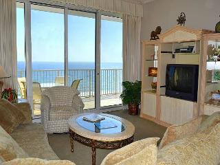 Beautiful Gulf sunset views from your own private balcony in safe Resort - Miramar Beach vacation rentals
