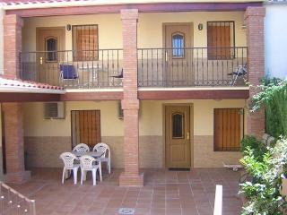 Apartments for 4 in Spain, Cáceres, Aldeacentenera - Canamero vacation rentals