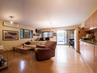 Garden apartment - Florentin - Gedera vacation rentals