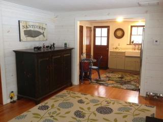 Charming Old Saybrook Beach Cottage - Waterford vacation rentals